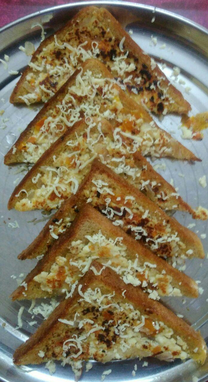 Pizza bread paneer