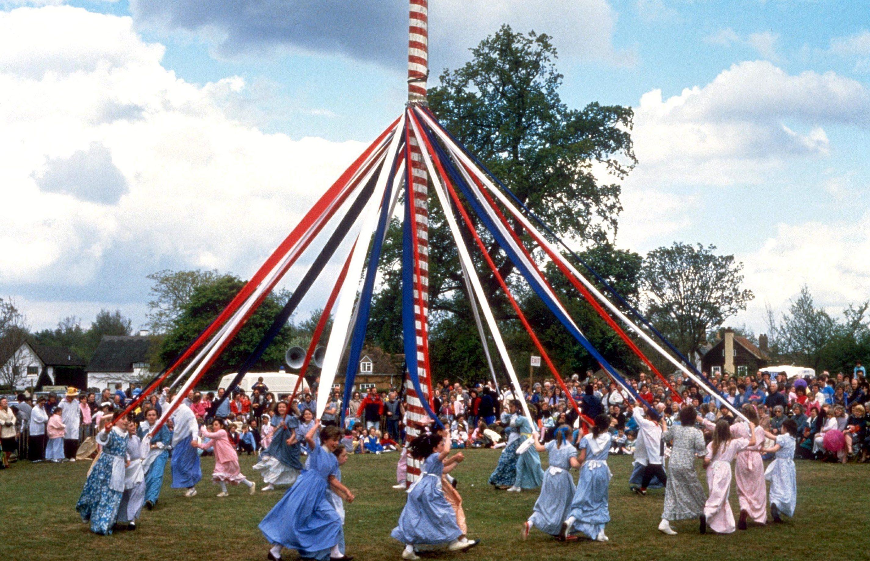 Tradisi Maypole
